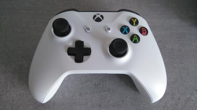 [VDS] Xbox One S 2 To blanche (édition limitée), garantie octobre 2018 01bb0826dc46f196f3c119be7a6d7dfe.md