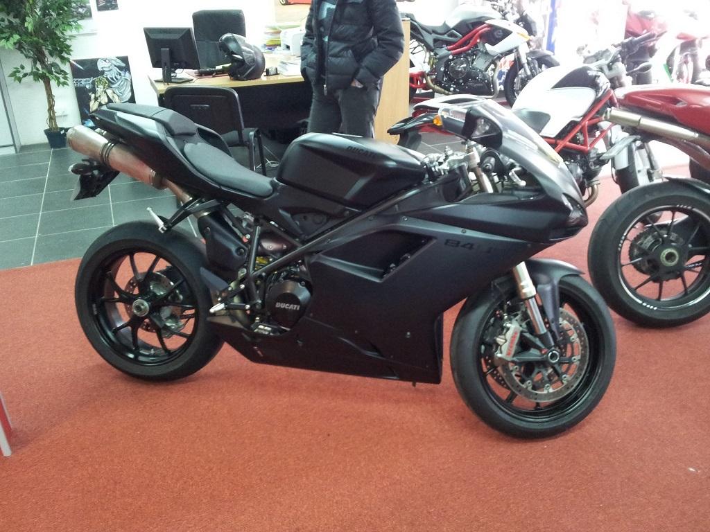 [VENDUE] Ducati SuperBike 848 EVO Piste/Route - 6500€ - 2011 - 3230km D1614e6c1dd5e9293fd9f07b679de291